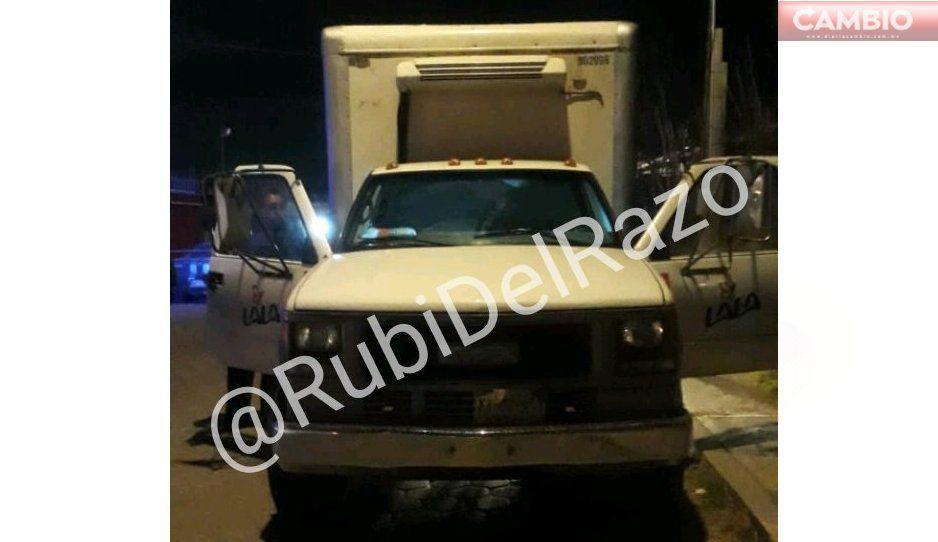 Recuperan camioneta robada; maniataron al operador