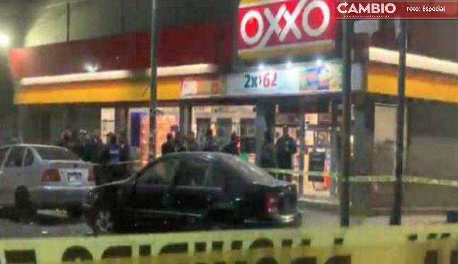 En minutos, hampones asaltan dos Oxxos en Tecamachalco