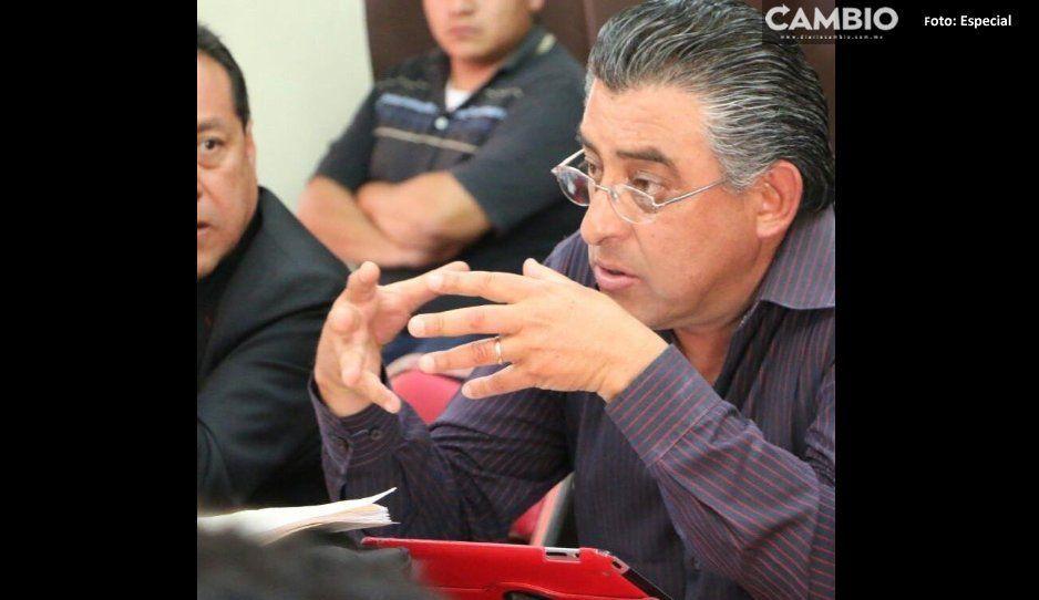 Municipales escoltan a comerciantes al  tianguis de Tlacotepec de Benito Juárez