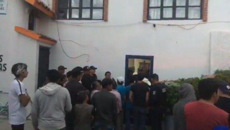 A punto de linchar a dos presuntos ladrones en Tlapanalá