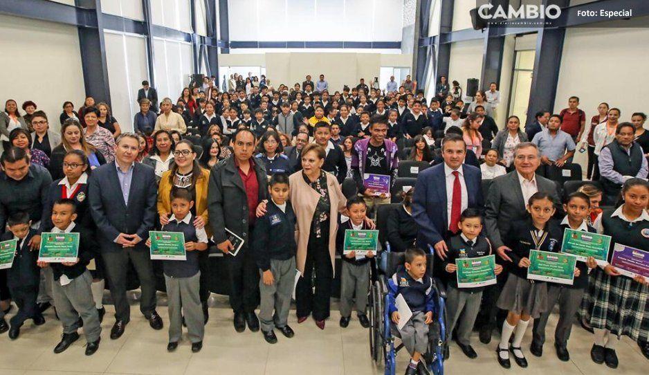 ASE, SEP y SEDIF premian a los ganadores  del concurso 'Imagina un mundo sin trampas'