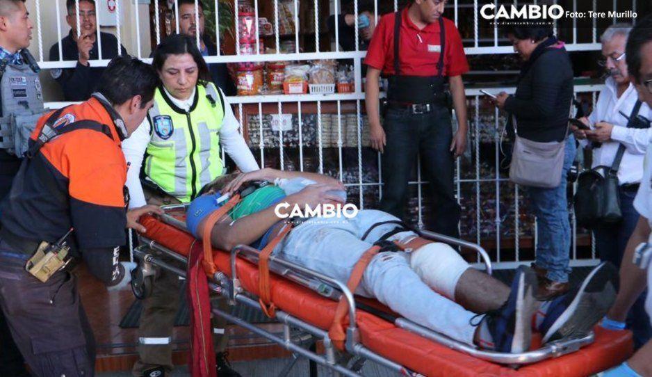 Viernes sangriento en Puebla: ahora asaltan dulces típicos La Esmeralda y balean a dos empleados (FOTOS)