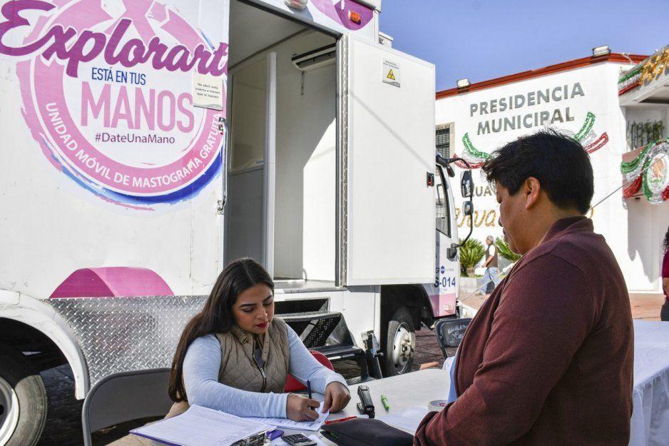 Invita Lupita Daniel a conferencia de prevención de cáncer de mama en Cuautlancingo