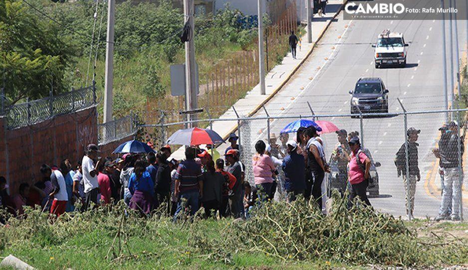 Caos en Bulevar Carmelitas: Antorcha Campesina invade predio con palas y machetes y vecinos protestan