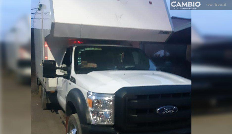 Policías recuperan en Moyotzingo camioneta robada sobre la México-Puebla