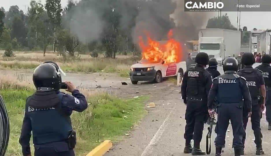 Incineran camioneta en Juan C Bonilla  en protesta por obra de drenaje industrial