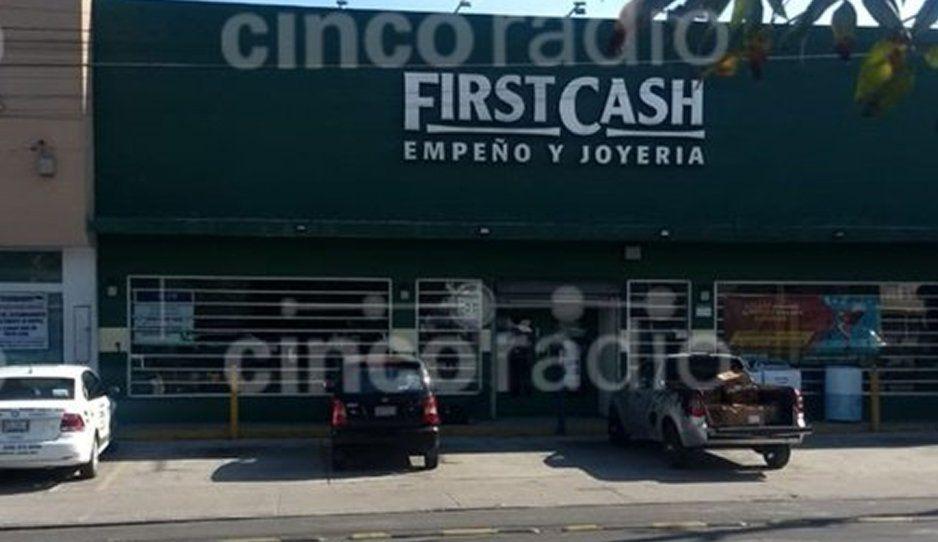 Atracan y balean a joven tras empeñar en el First Cash de Plaza San Diego