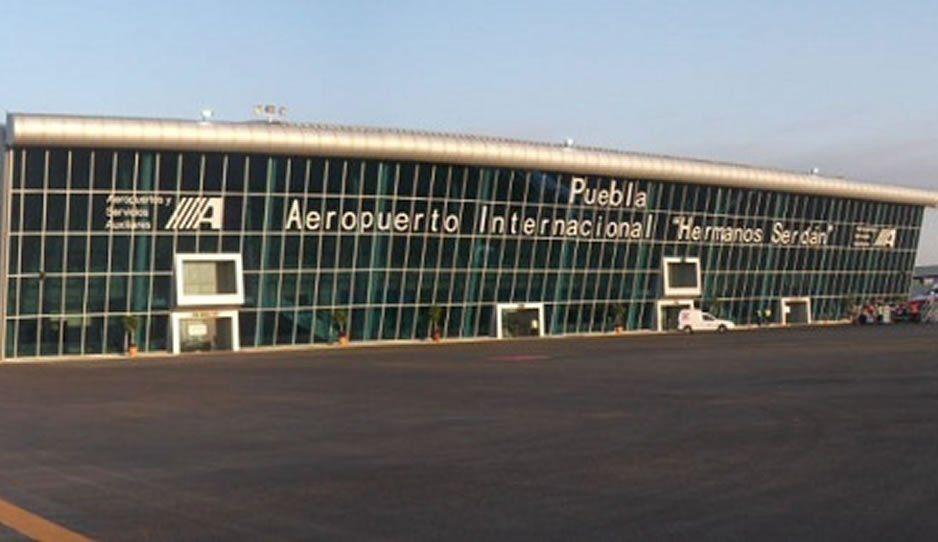 La actividad del Popocatépetl hace que se cancelen algunos vuelos del Aeropuerto de Huejotzingo