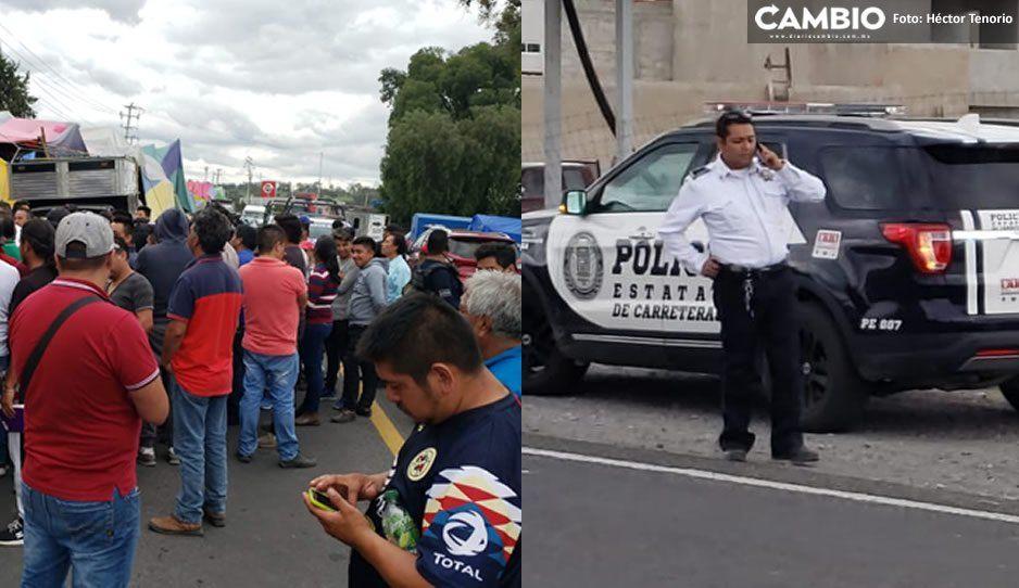 Comerciantes realizan manifestación para impedir operativos de comercio exterior en Texmelucan