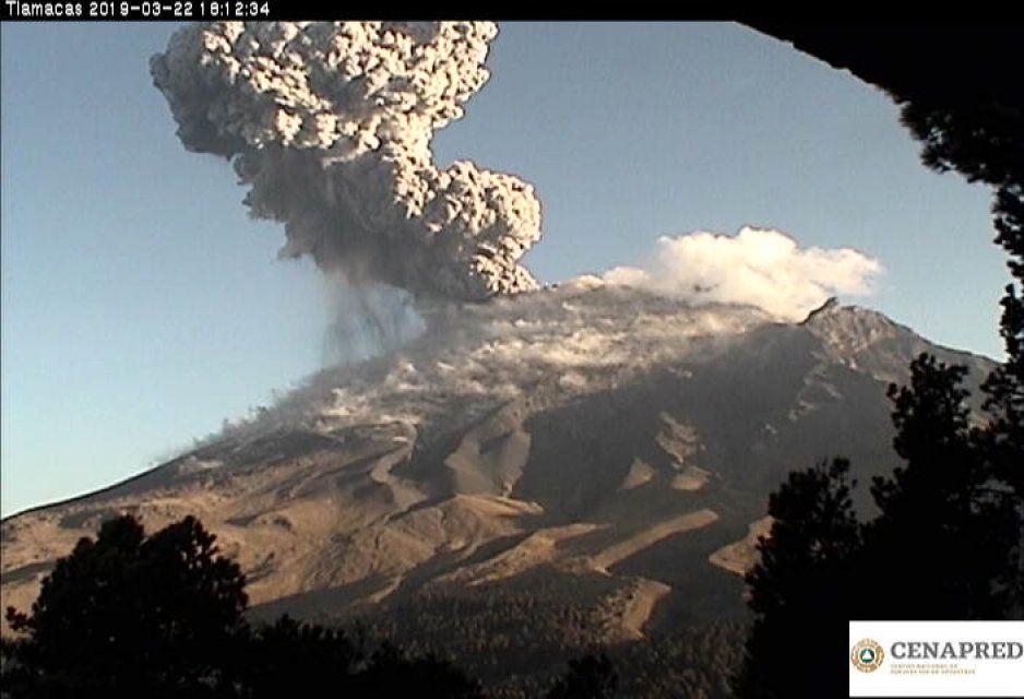 Vuelve a tronar el Popo: ya son dos explosiones en una semana (FOTOS y VIDEO)