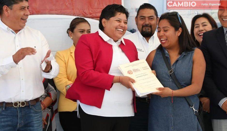 Karina Pérez se pone espléndida con sus burócratas, contrata seguros de vida para todos