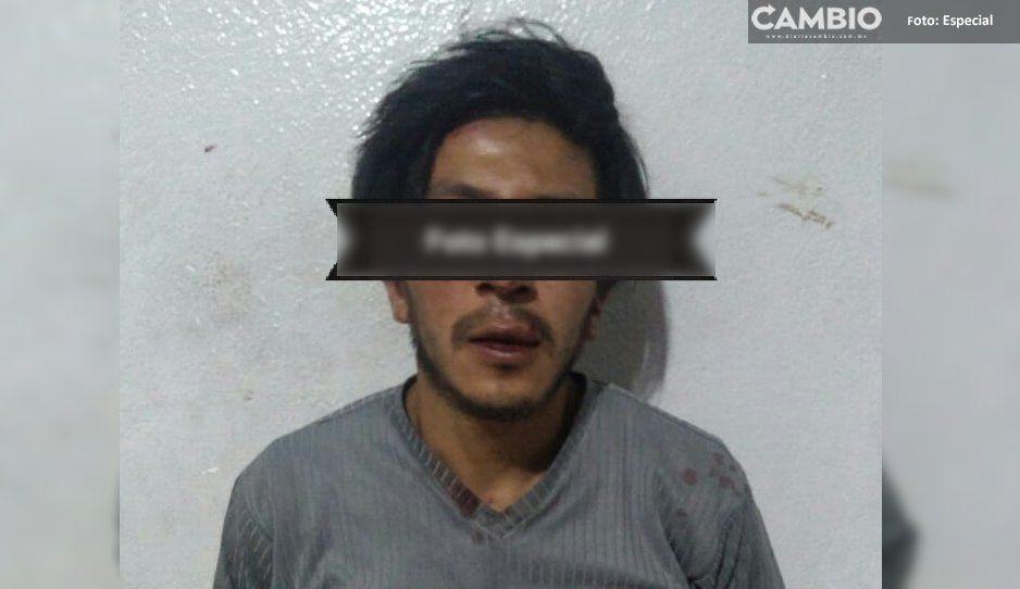 Sujeto es golpeado por vecinos de Texmelucan, era acusado de robar celular