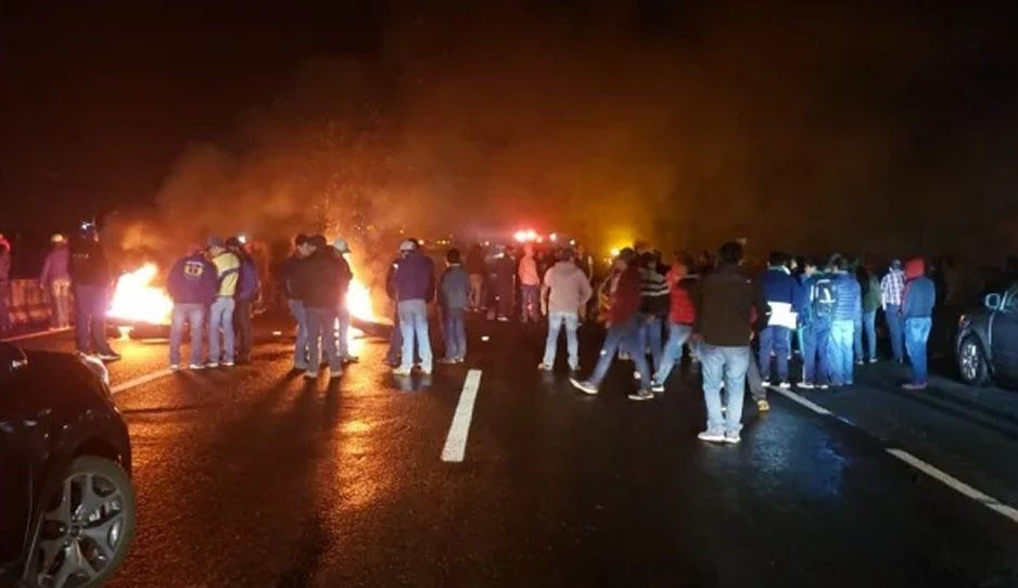 Ayuntamiento de Texmelucan rescata a dos jóvenes secuestrados tras bloqueo de la México-Puebla