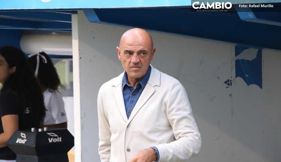 Por venganza, jugadores del Club Puebla le tienden la camita al Chelís