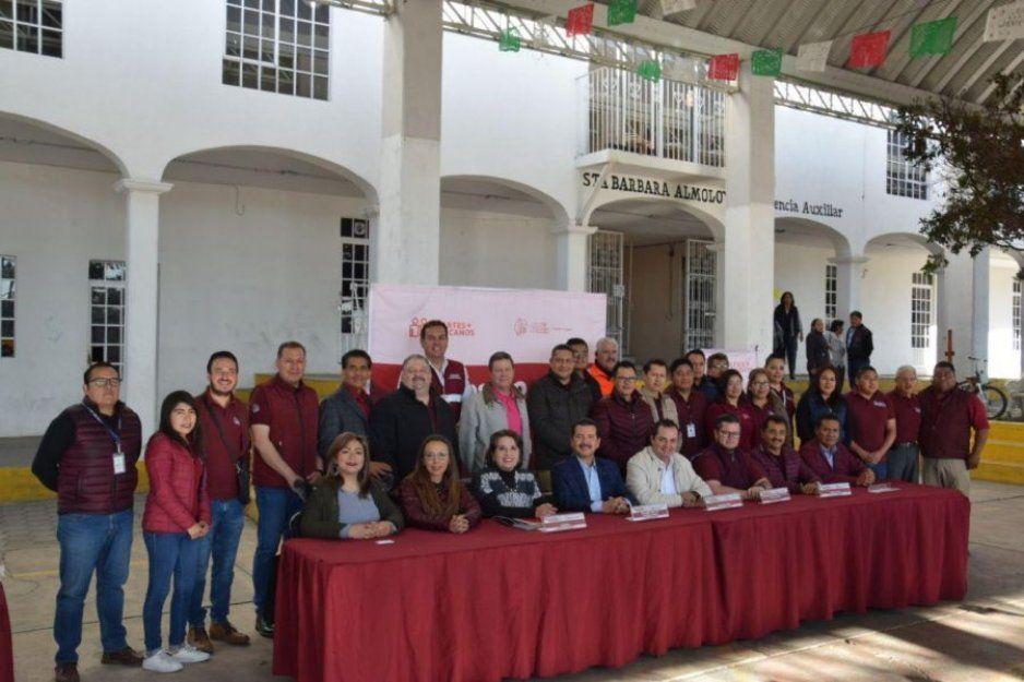 Brinda gobierno de San Pedro Cholula estabilidad y servicios en Santa Bárbara Almoloya