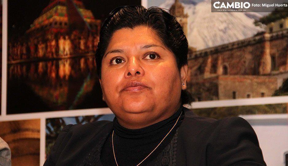 Karina Pérez se tira al piso y culpa a medios de no generar condiciones de paz tras asesinato Micky
