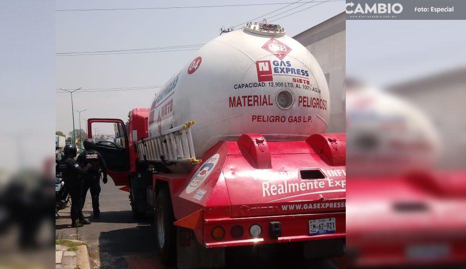 Policías recuperan en Texmelucan pipa de gas LP robada