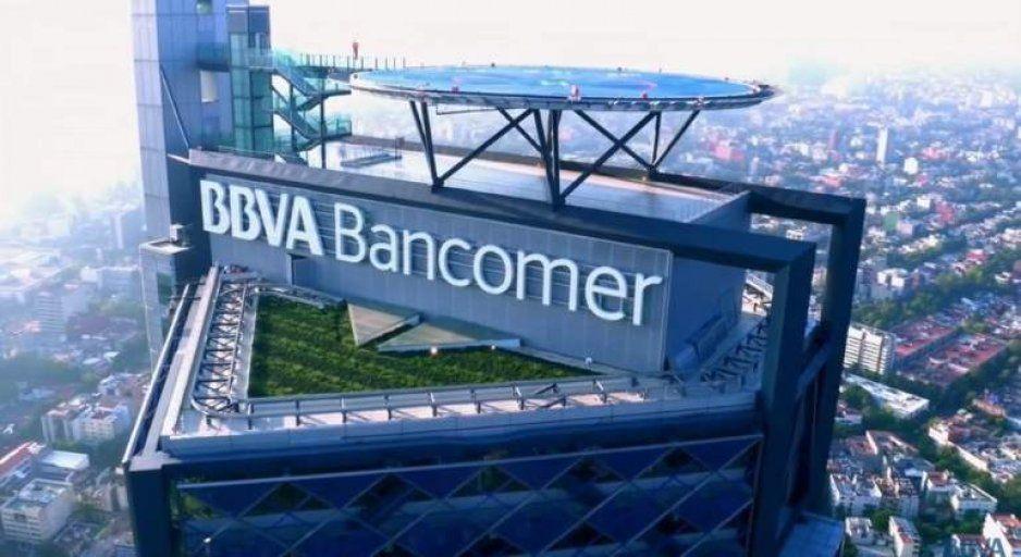 Por amenaza de bomba, evacúan sedes de BBVA Bancomer en la CDMX