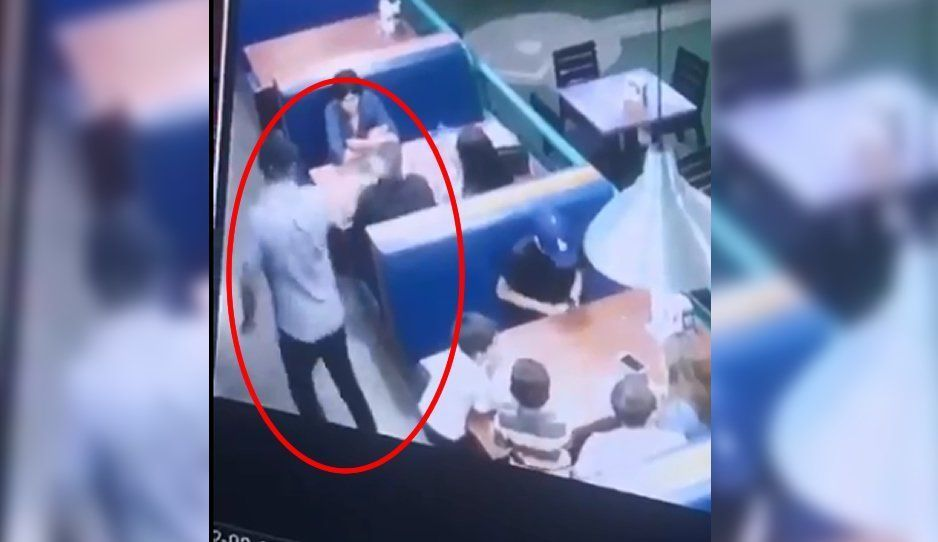 VIDEO: Asesinan a sangre fría a un hombre dentro de un restaurante, le dispararon dos veces en la cabeza