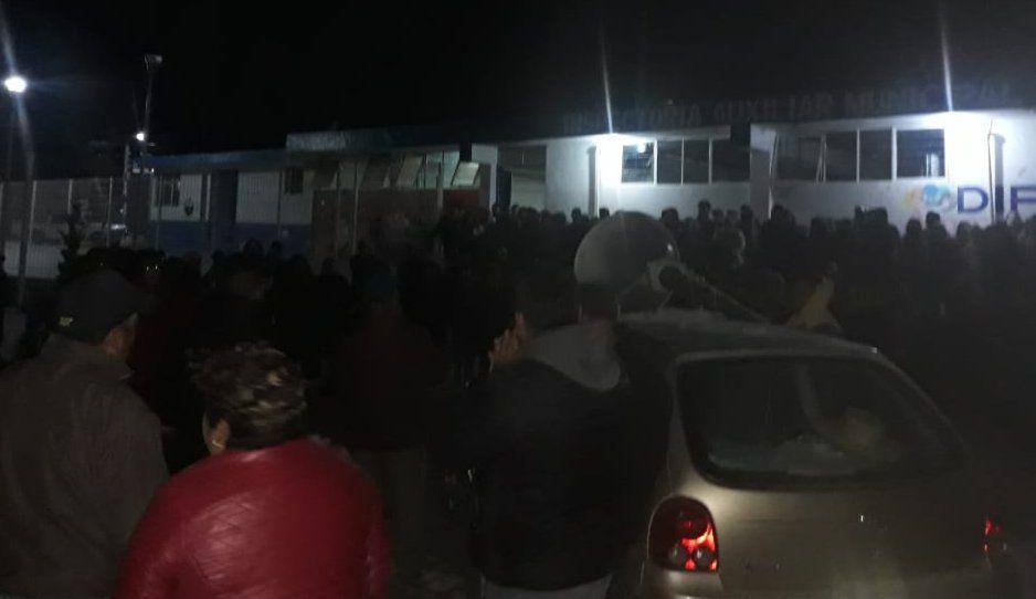 Pobladores de Mendizábal quieren impedir toma de protesta de inspector impuesto por Mario de la Rosa