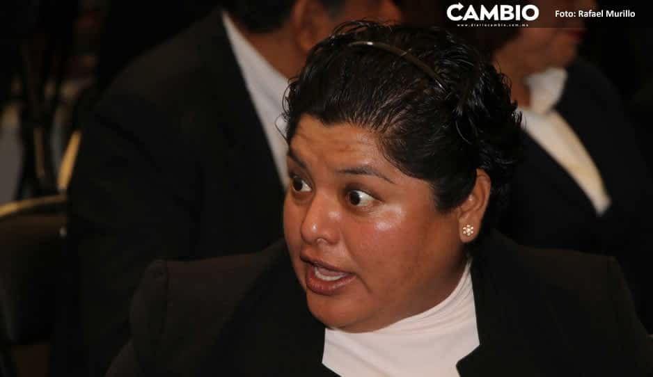 Karina Pérez asigna por adjudicación directa contrato de cámaras de vigilancia; regidores protestan
