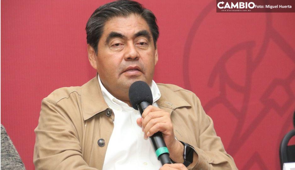 Reconoce Barbosa que hay desabasto de medicamentos en Puebla
