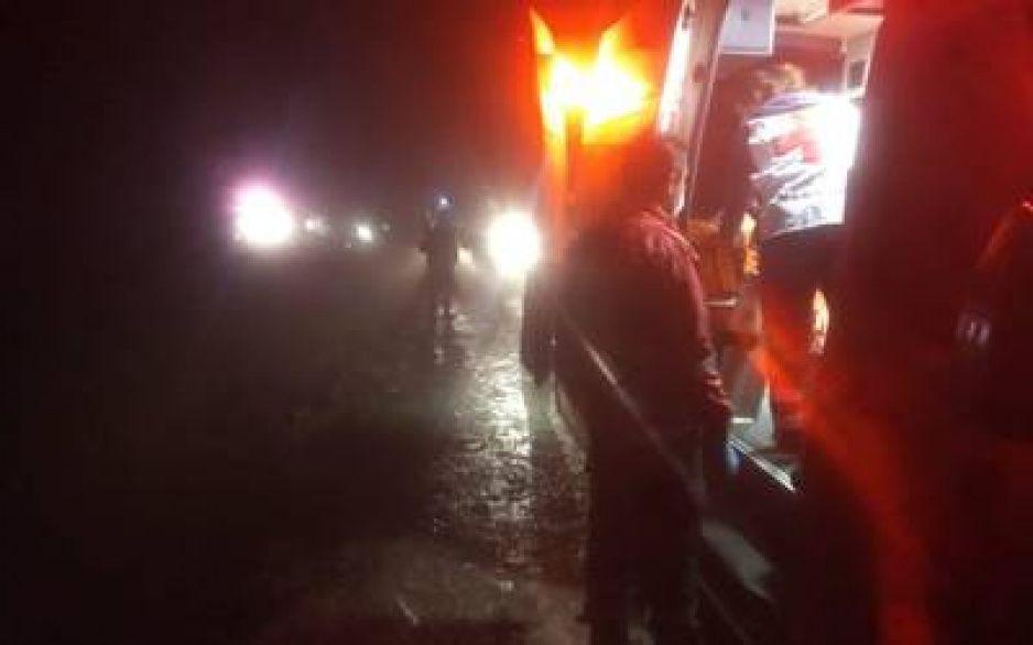 Auto cae a un barranco de 50 metros de profundidad en Zacatlán