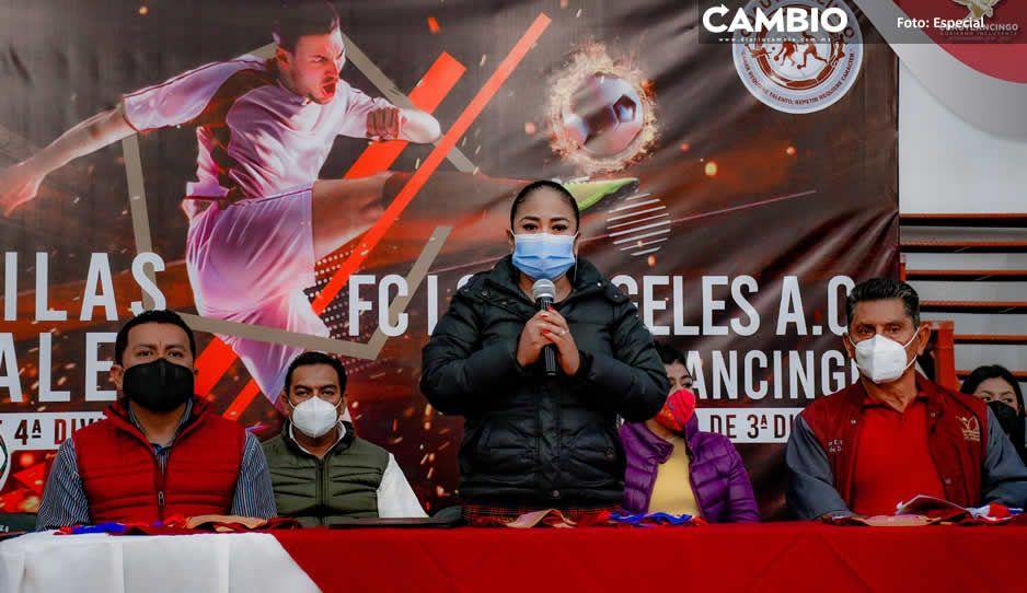Presenta Lupita Daniel avances de  equipos de futbol en Cuautlancingo