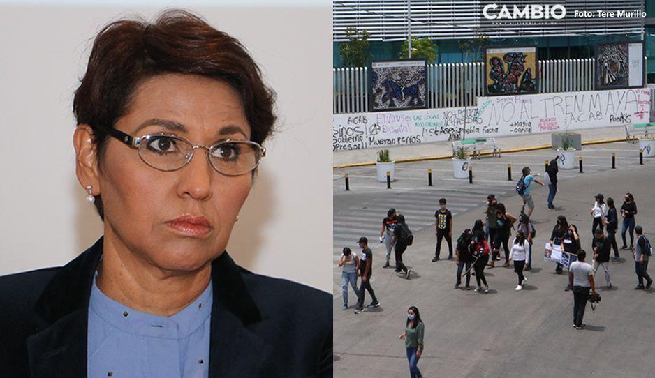 Diputada del PT le da frío: baja iniciativa para sancionar pintas y destrozos en protestas