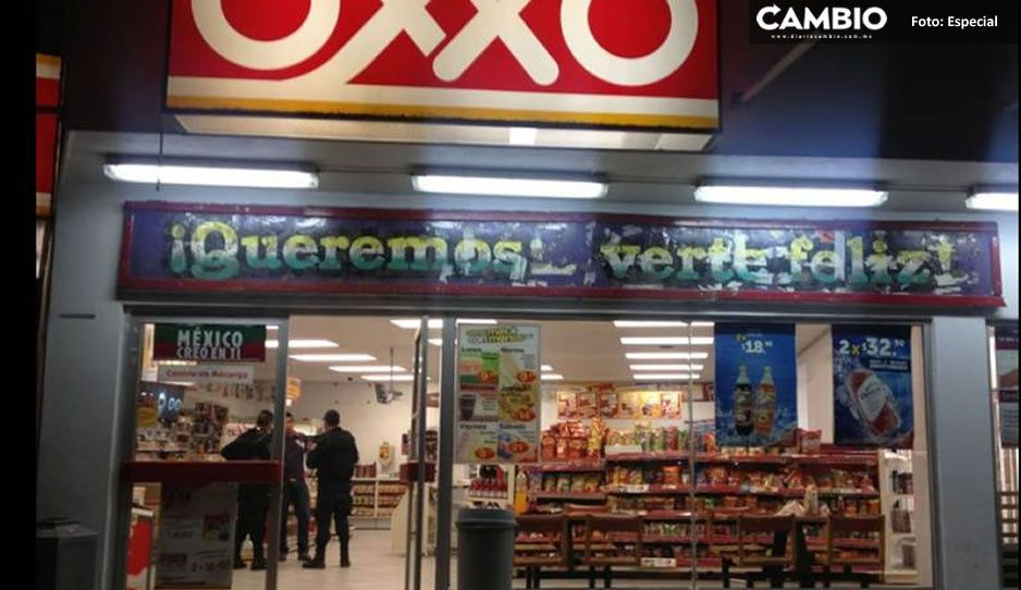 ¡No para la inseguridad! Comando armado atraca tienda Oxxo de Huejotzingo