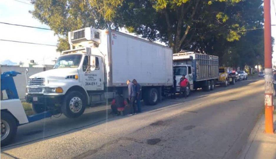 Policías de Texmelucan recuperan camión robado y abandonado