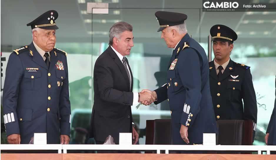 Salvador Cienfuegos, el militar narco que junto a Gali trajo la Industria Militar a La Célula