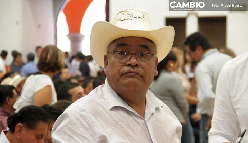 ¡Sinvergüenza! Ignacio Salvador proyecta informe estando prófugo y Barbosa exige suplente