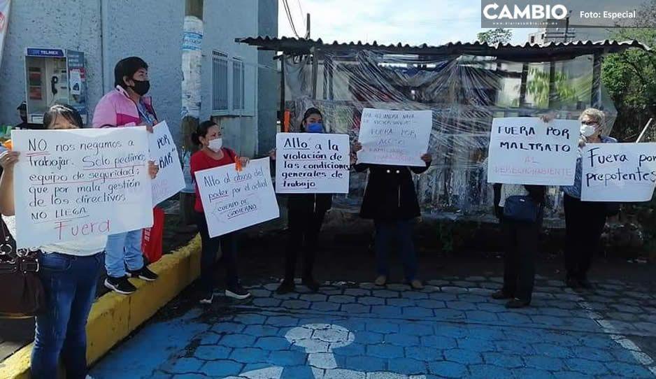Manifestantes exigen destitución del director del ISSSTE en Huauchinango; por maltrato, violencia y nepotismo