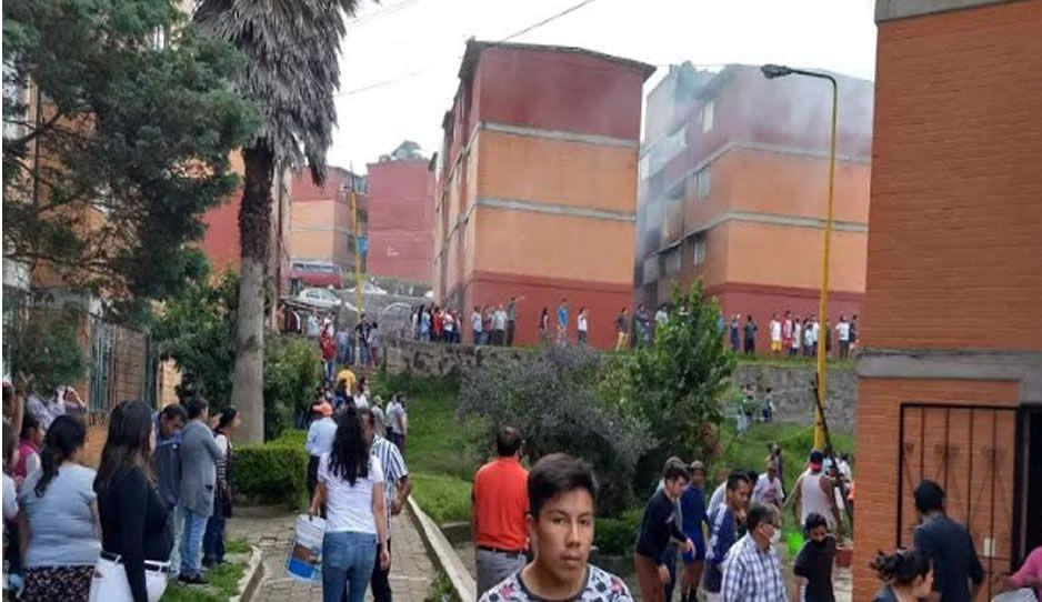 VIDEO: Incendio consume departamento en Teziutlán