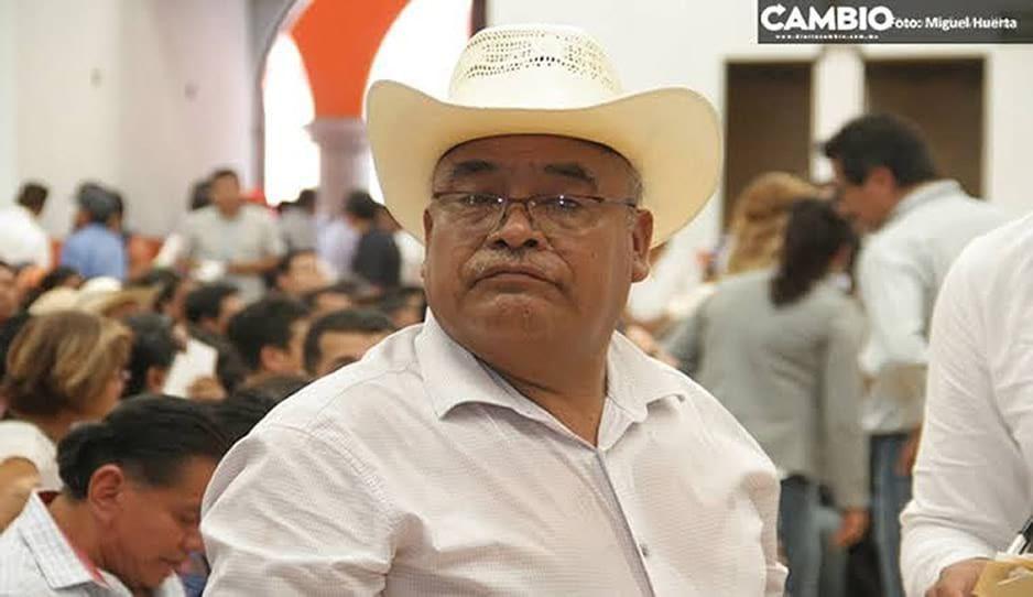 Regresa Nacho Salvador a alcaldía de Ajalpan a pesar de investigación de FGE en su contra