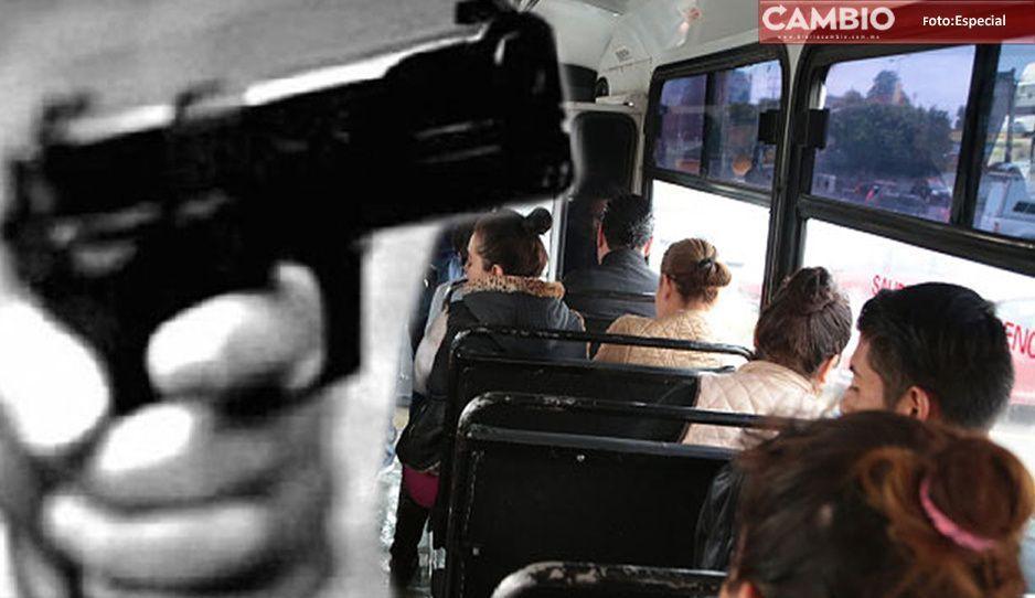 Así el 5 de Mayo en Puebla: Pareja asalta ruta Angelópolis en bulevar Carmelitas
