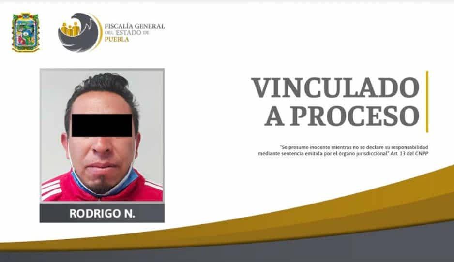Rodrigo apunta con rifle a su ex pareja en Zacatlán frente a sus hijos; ya fue detenido