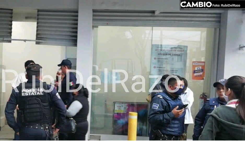 Rata le da cachazo a mujer policía durante atraco en Elektra de Volcanes