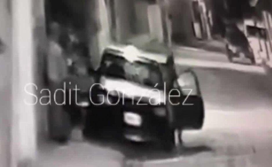 VIDEO: Graban a ratas mientras roban automóvil en Amozoc