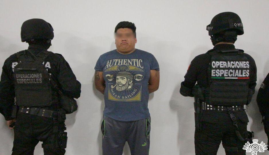 Detiene a El Jabalí, narcomenudista de la esposa del Grillo