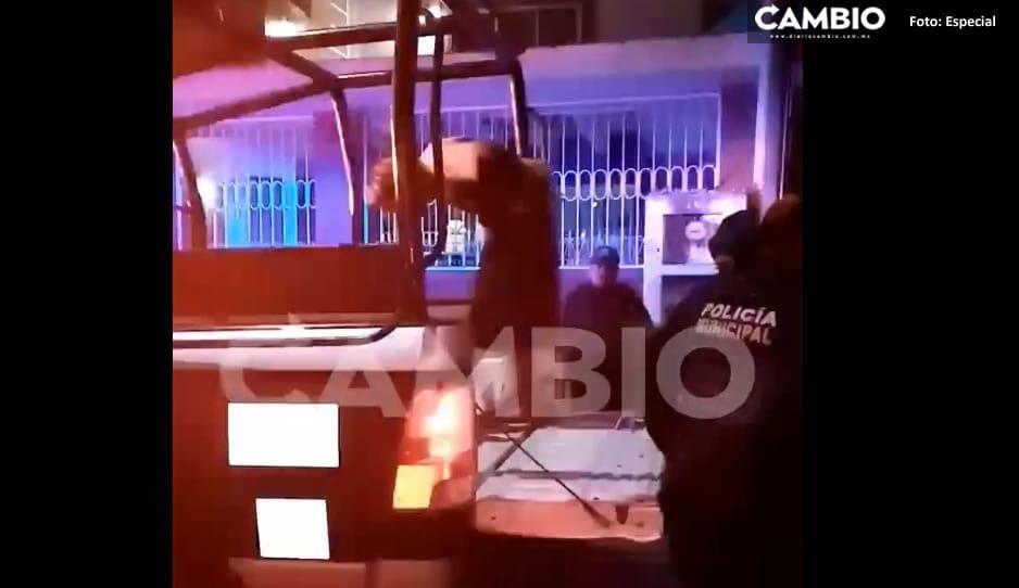 Vecino de Atlixco detienen a rata de casa habitación (VIDEO)