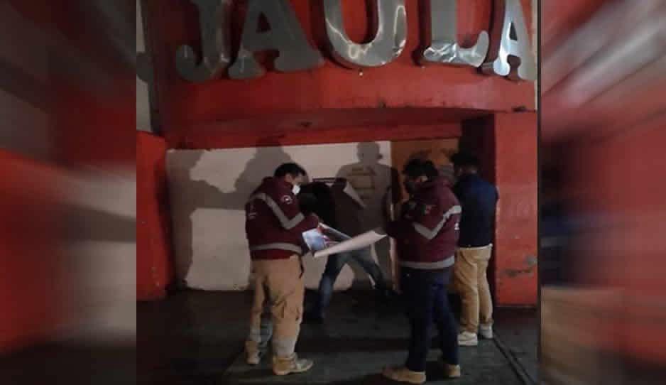 ¡Se acabó la diversión! PC clausura La Jaula, table, en Amozoc