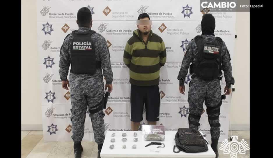 Detienen a narcomenudista en Plaza Loreto; ofrecía droga por Facebook