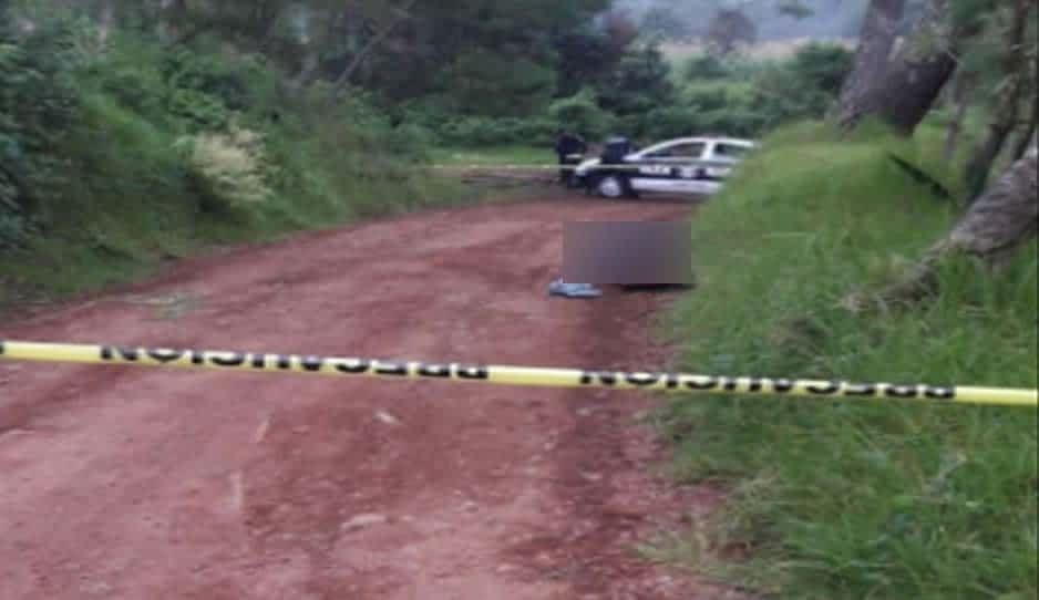 Encuentran cadáver con disparo en la cabeza en camino de Zacatlán