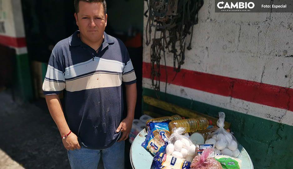 Poblano ayuda a poblano: Vecinos se apiadan de los menos afortunados y juntan alimentos