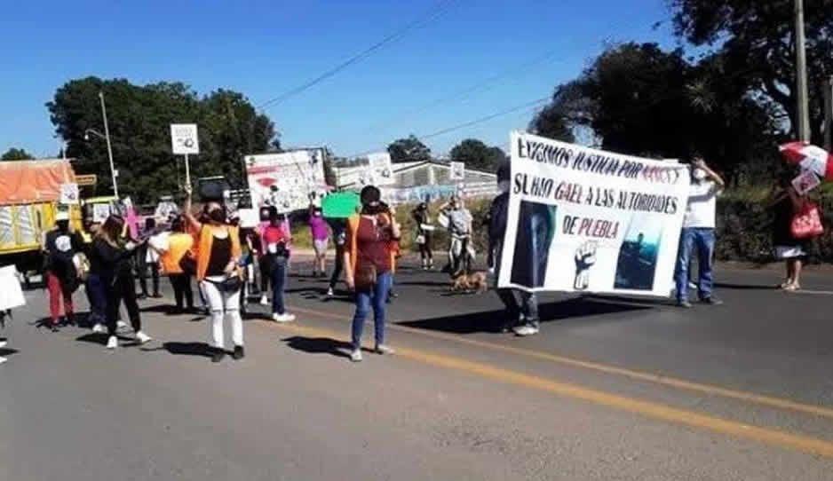 Exigen justicia en Zacatlán tras asesinato de Nancy y su hijo de ocho años
