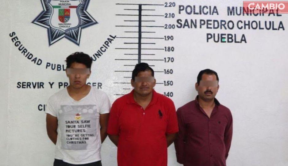 Policías evitan el robo de tres pipas de gas en San Pedro Cholula