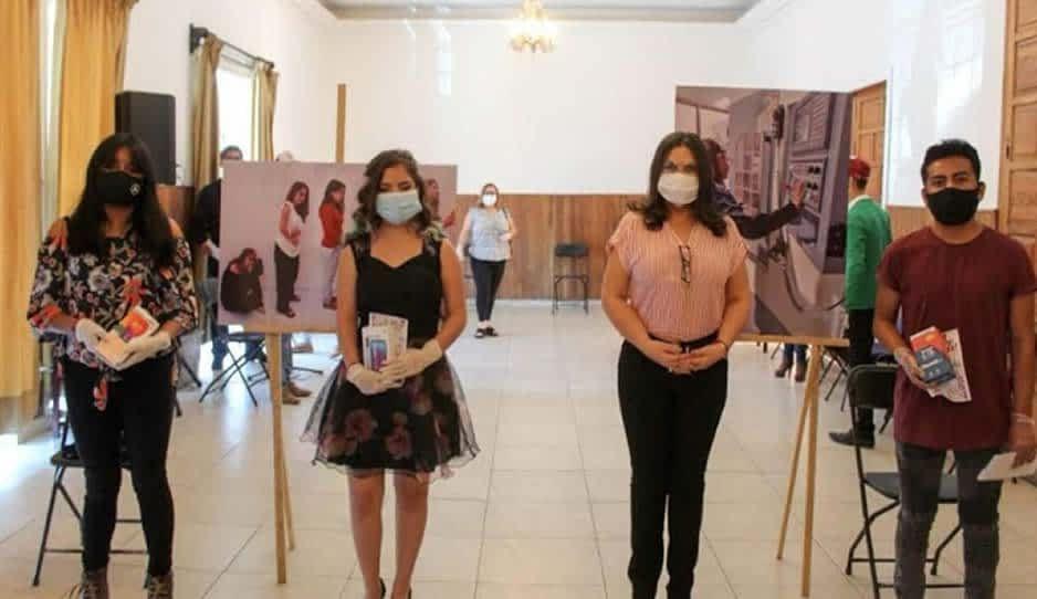 Layón reconoce a jóvenes para concientizar sobre la violencia de género en Texmelucan