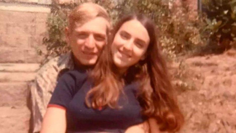 Se amaron hasta el último minuto de su vida: así murió una pareja de tórtolos tras contagiarse del bicho
